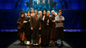 Eerste rang tickets voor The Addams Family in het Luxor Theater! ticketveiling